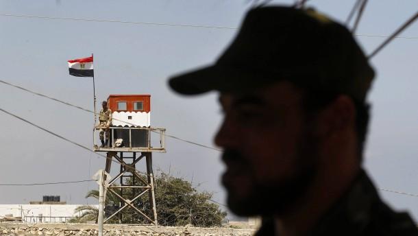 Zehn ägyptische Soldaten durch Sprengsatz getötet