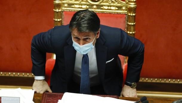 Ministerpräsident Giuseppe Conte kündigt Rücktritt an