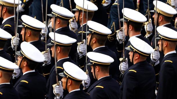 Französischer Offizier wegen Spionage angeklagt