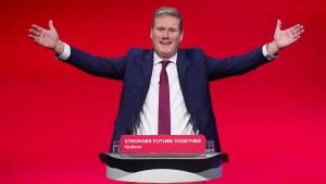 """Starmer schwört Labour auf """"britische Werte"""" ein"""