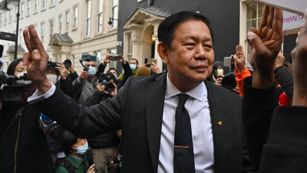 Myanmars abgesetzter Botschafter bittet um Hilfe