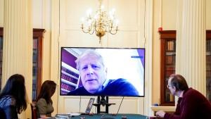 """Gegen die Kritik hilft Johnson kein """"Virusbunker"""""""