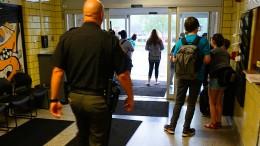 Bewaffnete Schule