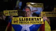 Demonstranten forderten am Donnerstag in Barcelona die Freilassung der katalanischen Politiker, die sich in Untersuchungshaft befinden.