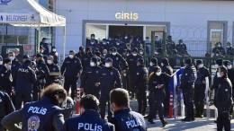Hunderte lebenslange Haftstrafen ausgesprochen