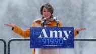 Bei Schnee und Minusgraden verkündet Amy Klobuchar am vergangenen Sonntag in Minneapolis offiziell ihre Kandidatur.