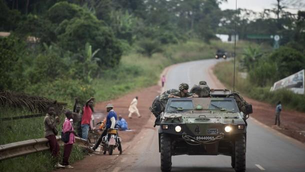 Frankreich beginnt Militäreinsatz in Zentralafrika