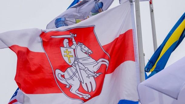 Lettland zeigt Flagge gegen Lukaschenko