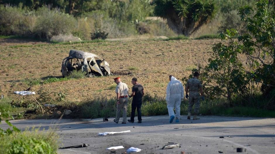 Maltesische Polizisten im Oktober 2017 am Ort der Ermordung von Daphne Caruana Galizia
