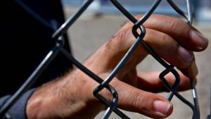 Griechische Polizei befreit Migranten
