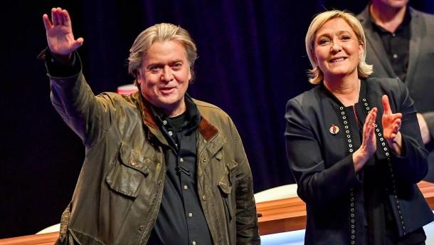 Paktierte die Le-Pen-Partei mit Steve Bannon?