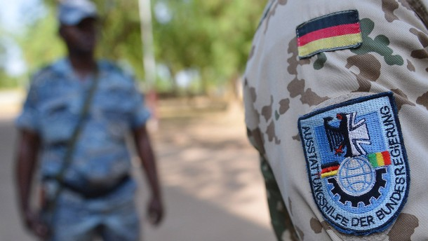 Mehr Soldaten nach Mali und in den Irak