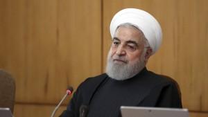Irans Präsident fordert Politikwandel