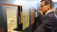 "Nach dem umstrittenen Holocaust-Gesetz: Polens Ministerpräsident Mateusz Morawiecki im ""The Ulma Family Museum of Poles Who Saved Jews during WWII"""
