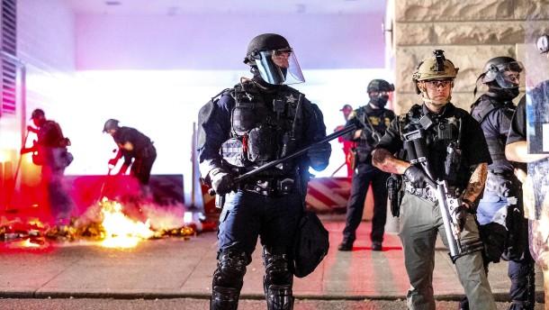 Amnesty wirft Polizei Menschenrechtsverletzungen vor