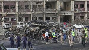276 Tote nach Anschlag in Mogadischu
