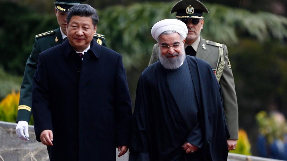 Der iranische Präsident Hassan Rohani und der chinesische Präsident Xi Jinping bei einem Empfang 2016 in Teheran