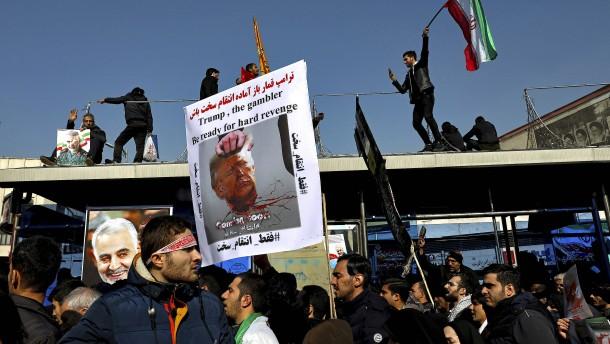 """Irans Parlament betrachtet Pentagon als """"Terroristen"""""""