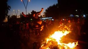Zehntausende fordern Rücktritt von Präsident Piñera