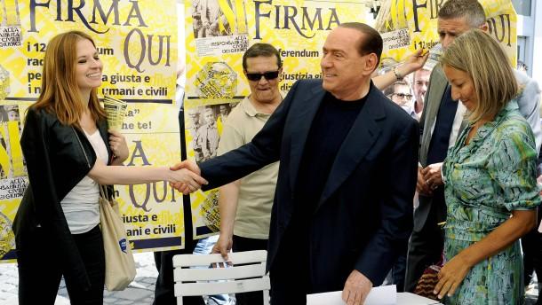 Berlusconi schlägt zurück
