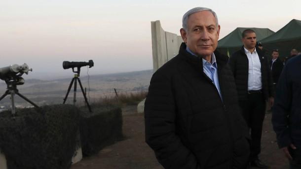 Netanjahu darf im Amt bleiben