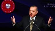 Der türkische Präsident Recep Tayyip Erdogan am Dienstag in Ankara. Machen die EU-Milliarden sein Land fit für einen Beitritt zur Europäischen Union?