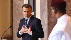 Macron erwartet harten Anti-Terror-Kampf in Afrika