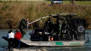 Zahl der Übertritte an Grenze zu Mexiko steigt