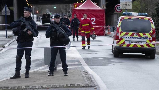 Ermittler haben Terror-Verdacht