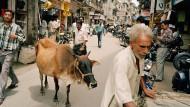 Mythisches Schlachtverbot: Kuh auf einer Straße in Bombay.