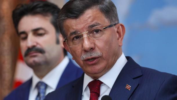 Davutoglu tritt aus AKP aus