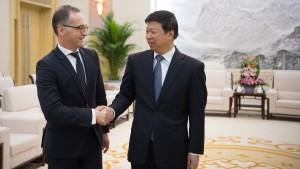Maas verlangt in Peking mehr Transparenz im Uiguren-Konflikt