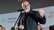 Regisseur Wojciech Smarzowski spricht vor der Polen-Premiere seines Spielfilm «Kler» (übersetzt: Klerus).