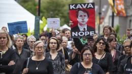 Frauen für und gegen Kavanaugh