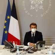 Der französische Präsident Emmanuel Macron (rechts) und der Vorsitzende des französischen Islamrates, Mohammed Moussaoui (links), am 18. Januar im Élysée-Palast
