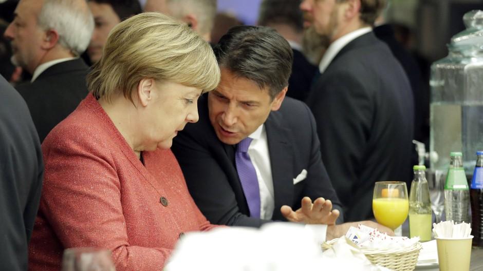 Merkel und Conte beim Weltwirtschaftsforum in Davos