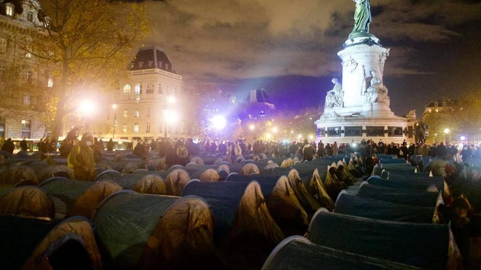 Gewaltsam aufgelöst: Das Migrantencamp auf der Place de la République in Paris