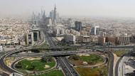 Die saudische Hauptstadt war vor einem Jahrhundert noch eine Stadt mit wenigen tausend Einwohnern. Heute ist Riad eine Millionenmetropole.