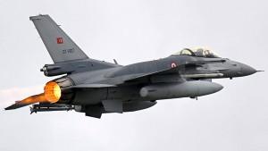 Türkei bombardiert wieder PKK-Stellungen