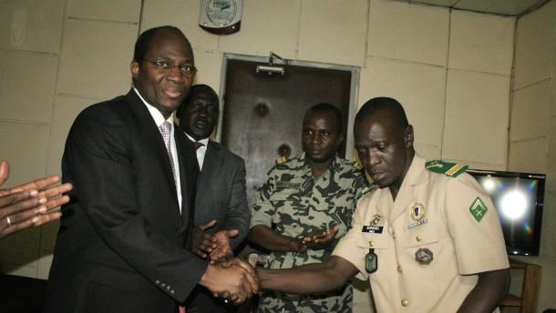 Junta verständigt sich mit Ecowas auf Machtübergabe