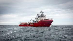 Italien lässt Rettungsschiff einfahren