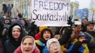 """""""Freiheit für Saakaschwili"""": Demonstranten am Sonntag in Kiew"""