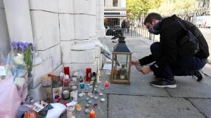 """Frankreichs Innenminister sieht """"Krieg"""" gegen den Islamismus"""