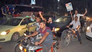 Syrische Truppen rücken in Grenzgebiete ein