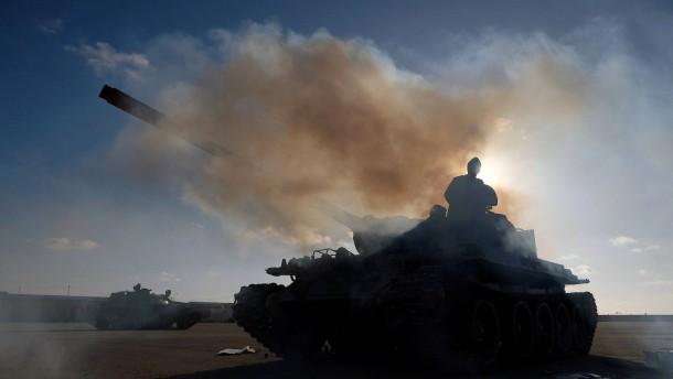 Zwei Menschen bei Raketenangriff auf Tripolis getötet