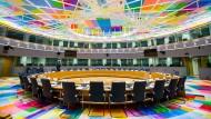 Selten ein Ort der Eintracht: Der Raum, in dem sich die europäischen Staats- und Regierungschefs regelmäßig treffen, um sicherheits- und außenpolitische Fragen zu diskutieren.
