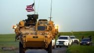 Bald keine Partner mehr: Amerikanische Truppen und YPG-Kämpfer in Syrien