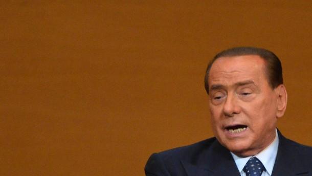 Berlusconi benennt Partei in Forza Italia um