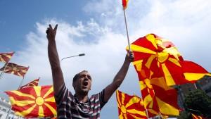 Massenproteste gegen Regierung in Skopje