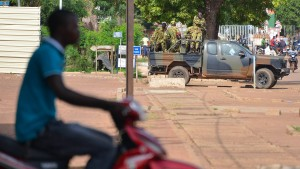 Armee putscht gegen Übergangsregierung